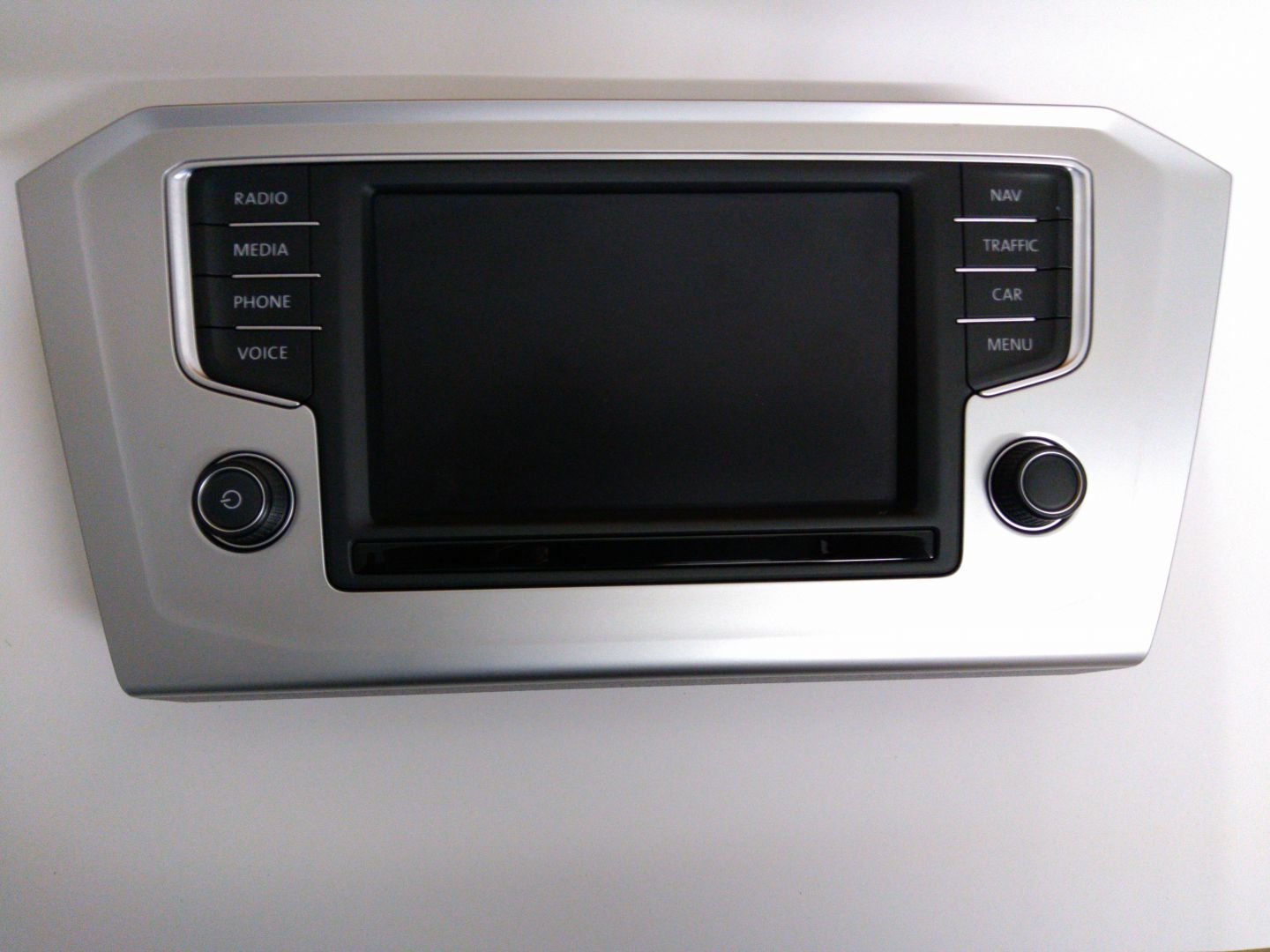 3G0919605D Front Panel with Display for VW Discover Media.jpg